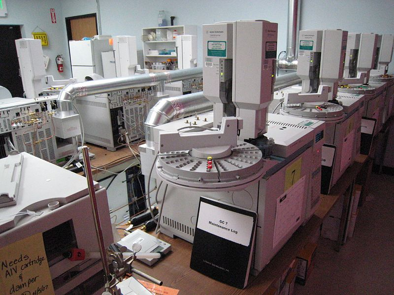File:Gas Chromatography Laboratory.jpg